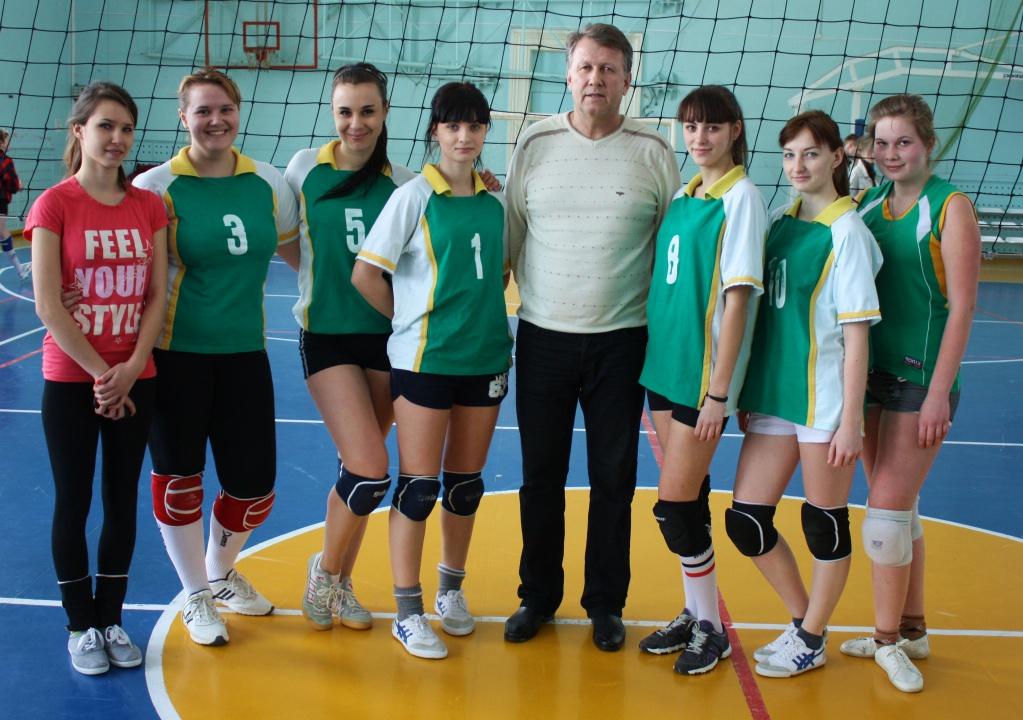 Женская сборная ВГИ по волейболу.JPG